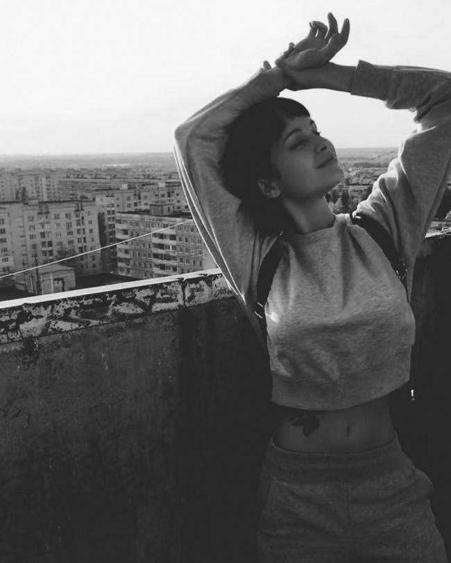 Шлифовальщица автобусов из Нижнего Новгорода Алёна Тарасова стала победительницей ежегодного конкурса «Playmate of the Year» от журнала Playboy