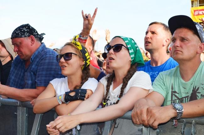 Жители Нижнего Новгорода отпраздновали двадцатилетие музыкального фестиваля «Нашествие» в селе Большое Завидово Тверской области