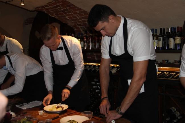 Image for Участники конкурса «Мистер Нижний Новгород» посостязались в кулинарном искусстве
