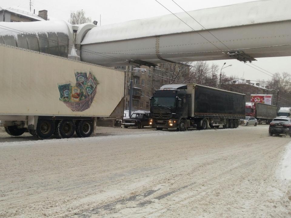 Image for Стало известно, на каких дорогах Нижегородской области в апреле запретят проезд большегрузов