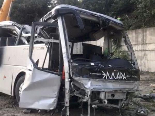 В смертельном ДТП под Новороссийском пострадали туристы из Нижнего Новгорода