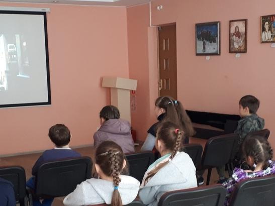 Image for В библиотеках Автозаводского района бесплатно покажут большое кино