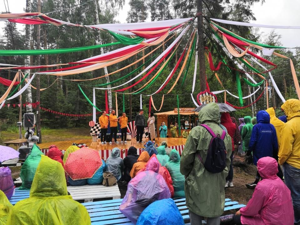 Танцы под дождем, огненные шоу и плотоядные растения: фоторепортаж с фестиваля WAFEst