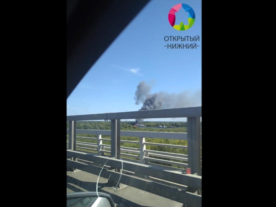 Пассажирский теплоход горит на Волге в Нижегородской области