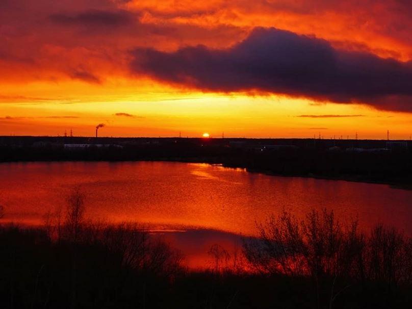 Image for Огненный закат в небе над Нижним запечатлели фотографы