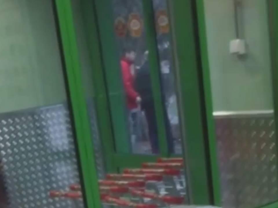 Image for В нижегородской «Пятерочке» магазинному вору надели на голову пакет