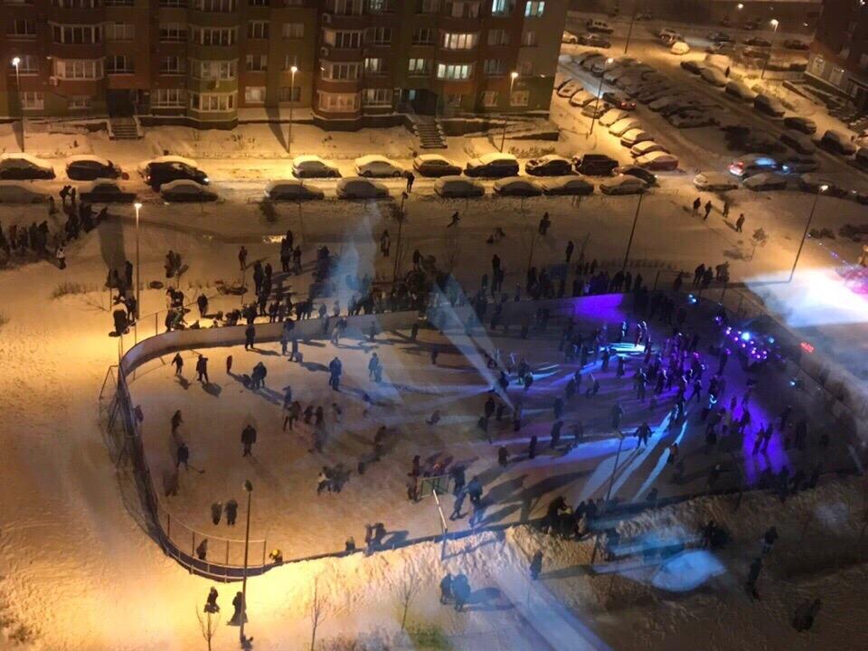 Image for Нижегородцы устроили яркую ледовую дискотеку на обычном дворовом катке